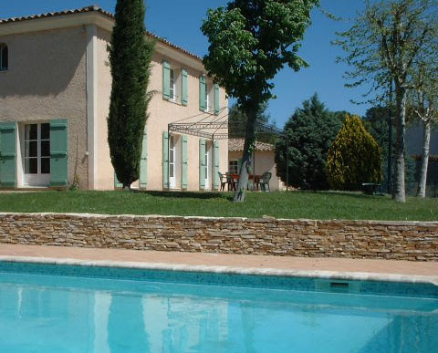 location saisonniere provence piscine tennis